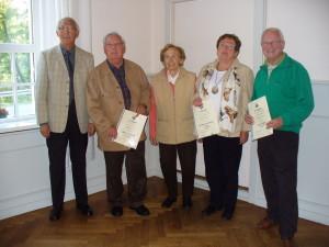 Von li nach re: Vors. U.Petersen, H. Angenendt, I. Pukowietz, M. Spielberger-Deppe, H. Deppe