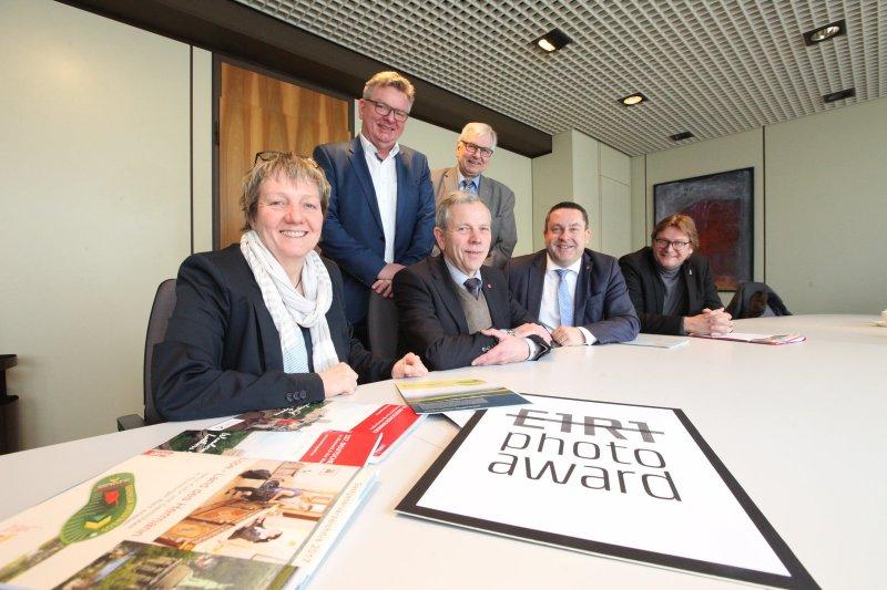 Ute Dicks, Hans-Joachim Graef (Lizenzgeber Fotowettbewerb), Albert Hüser, Rüdiger Schmidt, Dr. Axel Lehmann und Günter Weigel (von links). (© Vera Gerstendorf-Welle)